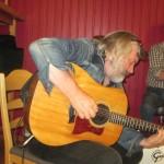 kormakur och gitarr